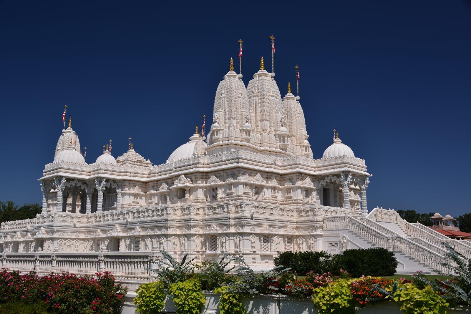 Bienvenue au BAPS Shri Swaminarayan Mandir