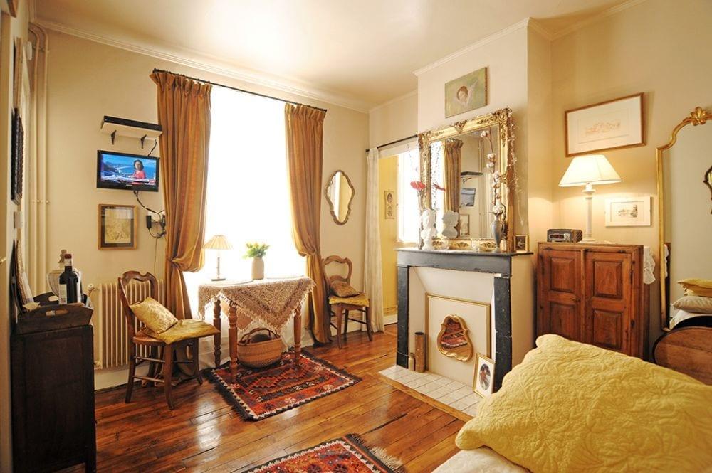 Joli petit appartement à louer pour une semaine un mois ou plus au coeur du Quartier Latin