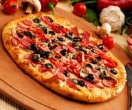 On tourne autour de la pizza