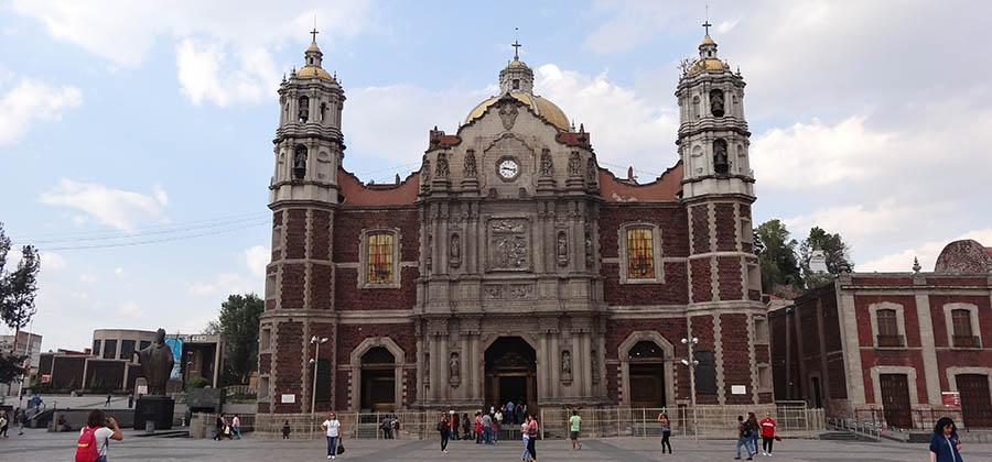 monuments-edifices-eglises-basiliques-palais-temples-visites-touristes-monde-notre-dame-guadalupe