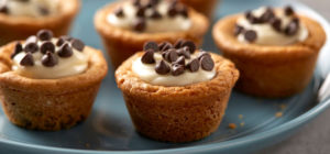 nouveaux-desserts-hybrides-americains-gourmandises-patisseries-cookiecup-pillsbury.