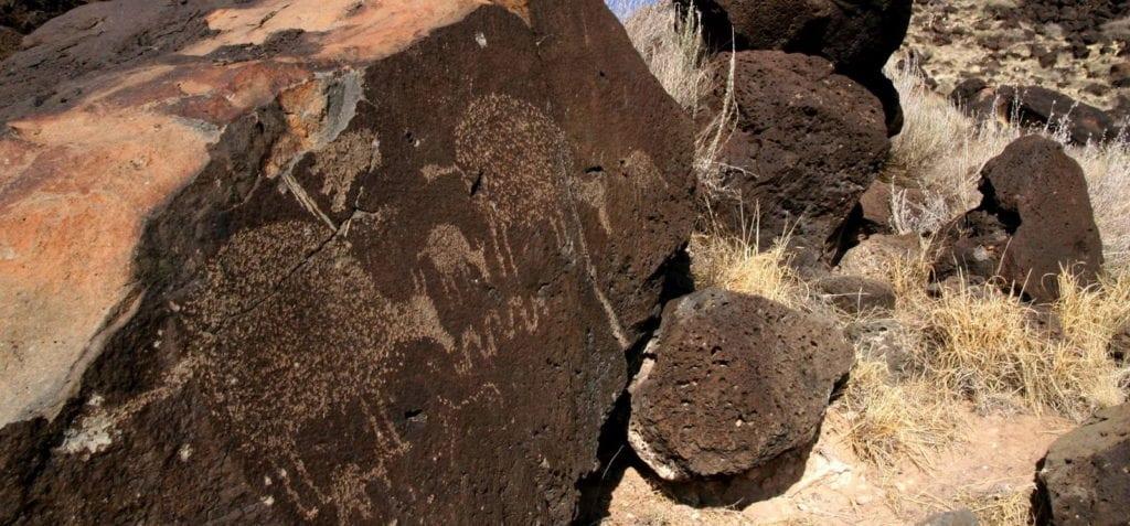 visiter-nouveau-mexique-santa-fe-desert-montagnes-albuquerque-petroglyphs