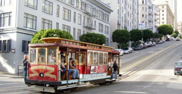 balade-cable-car-tramway-transport-san-francisco-une