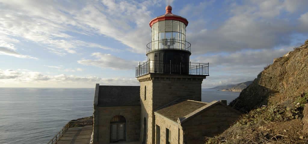 big-sur-paysage-balade-falaises-chutes-bixby-bridge-point-sur-lighthouse