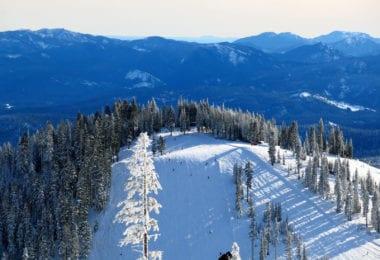 skier-volcan-mont-shasta-une