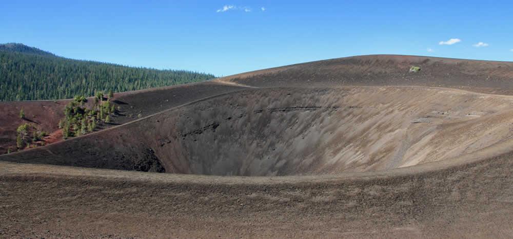 parc-volcanique-lassen-lac-montagne-bumpass-hell-cinder-cone