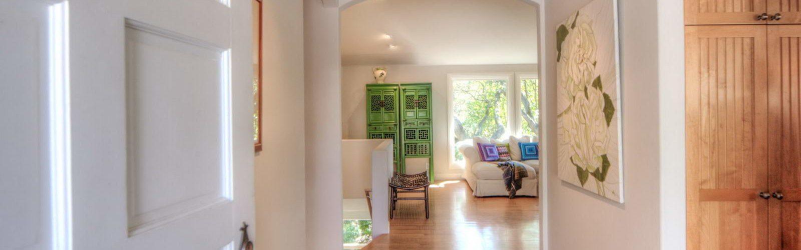 maison-familiale-calme-lumineuse-verdure-san-rafael-une
