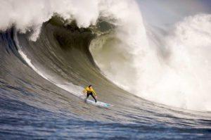 surfer-californie-sport-nautique-mavericks