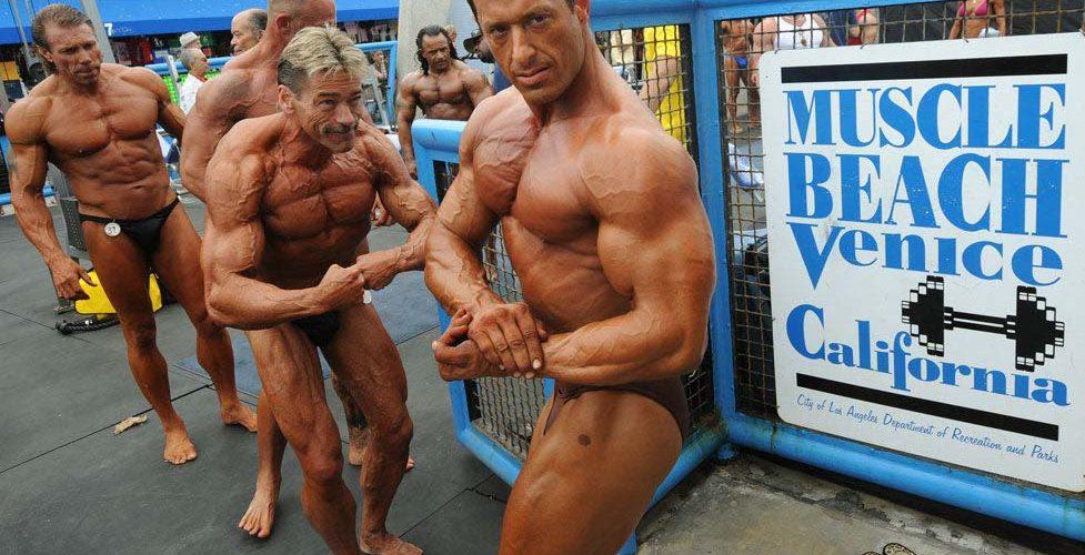 muscle-beach-venice-los-angeles-musculation-salle-de-gym-club-fitnes-une