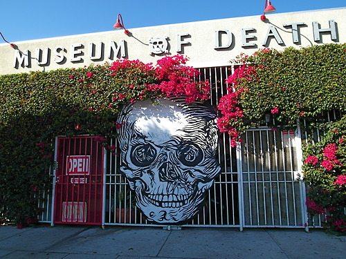 le mus e de la mort hollywood museum of death los angeles. Black Bedroom Furniture Sets. Home Design Ideas