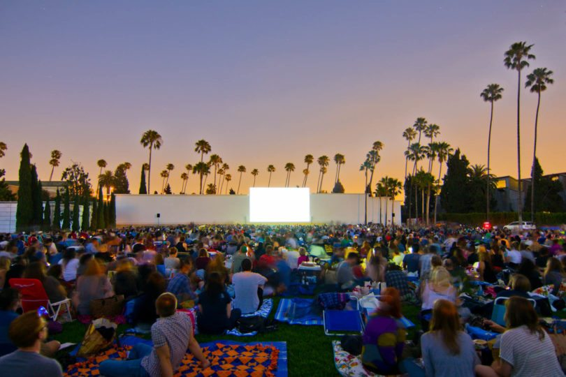 cinespia-hollywood-forever-cemetery-cinema-cimetiere-los-angeles-une