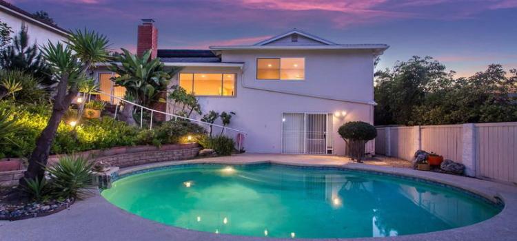 arielle dupertuis est agent immobilier fran ais los angeles. Black Bedroom Furniture Sets. Home Design Ideas