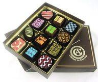 Un livre, une couette douillette, et du bon chocolat.. Il suffit de commander !
