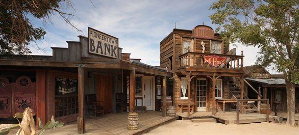Pioneertown la ville western de californie saloon et cowboy for Decoration maison western