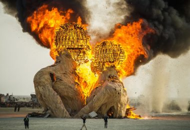 festival-burning-man-desert-black-rock-city-nevada-une