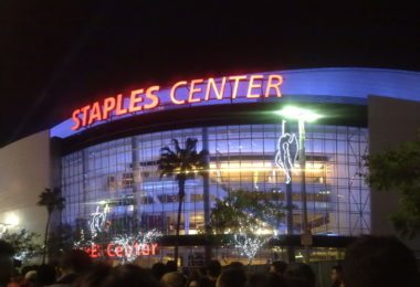 assister-a-match-a-concert-staples-center-featured