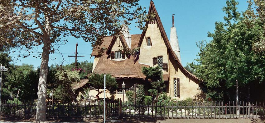 5-choses-insolites-los-angeles-santa-monica-witch-house