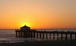 plus-beaux-endroits-admirer-coucher-de-soleil-los-angeles-manhattan-beach-pier