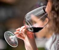 Avec du bon vin, on met le monde en bouteille