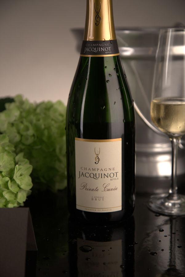 deux champagnes en promotion californie sud. Black Bedroom Furniture Sets. Home Design Ideas