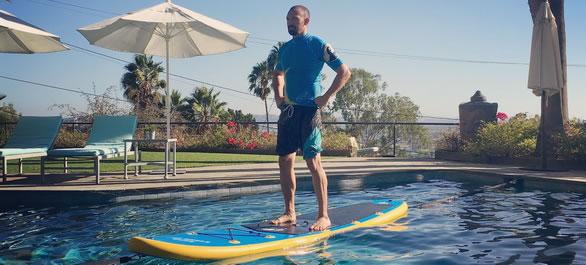 Un paddle pour votre entra nement sportif aqua stand up for Planche piscine