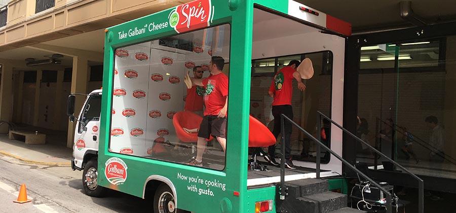 led-truck-media-presente-camions-publicitaires-vitres-aquarium-galbani-cheese