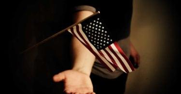 devenir-citoyen-americain-immigration-naturalisation-carte-verte-une