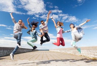 work-travel-program-travail-emploi-jeune-etudiants-ete-une