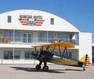 Vol de nuit au Hangar Hotel