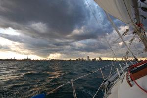 Rough_waters_lake_michigan_with_milwaukee_at_horizon