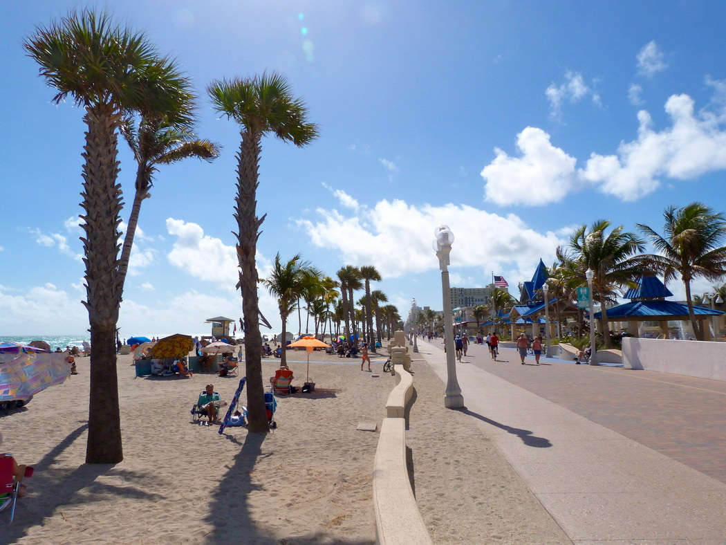 Blue Skies Of Texas >> Hollywood beach in pictures | Vacation in Florida, French ...