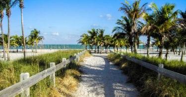 crandon-park-key-biscayne-plage-cabane-une