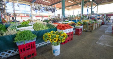redland-farmer-market-homestead-fruits-legumes-une
