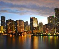 Une escapade au coucher du soleil dans la baie de Miami