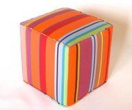 Haut en couleur ! Découvrez les promotions sur les poufs colorés Toiles du Soleil