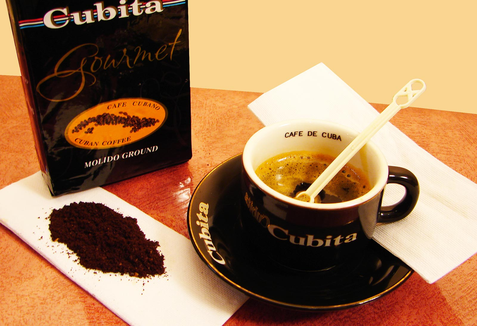 Enquête dans l'univers très serré du café cubain