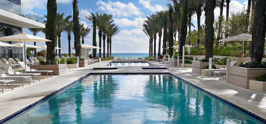 plus-beaux-hotels-miami-beach-collins-avenue-grand-beach