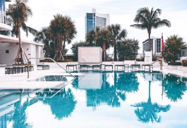 line-landereethe-beach-front-realty-agent-immobilier-francophone-miami-imageune
