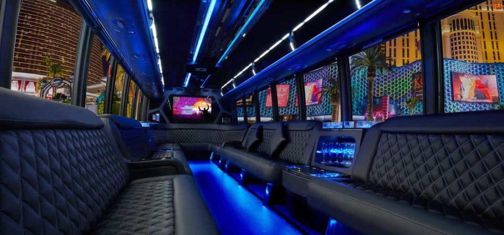 Les insolites à Miami, faire la fête dans les party bus ou en limousine
