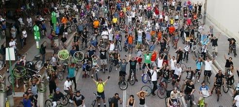 Critical Mass, le méga-rendez vous des deux roues à Miami