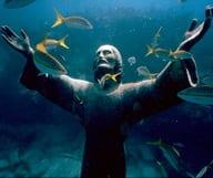 En apnée avec Jésus Christ dans les eaux de Key Largo