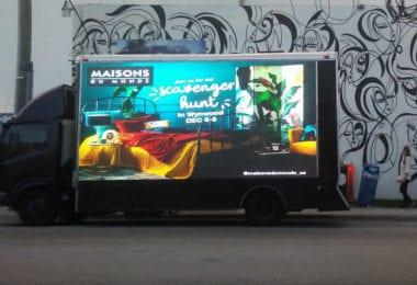 maisons-du-monde-led-truck-media-push