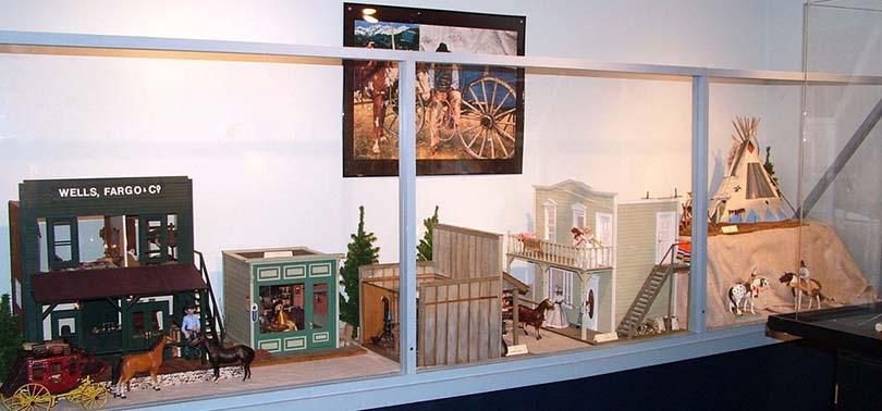 top-musees-fous-originaux-etats-unis-hair-museum-museum-miniature-houses