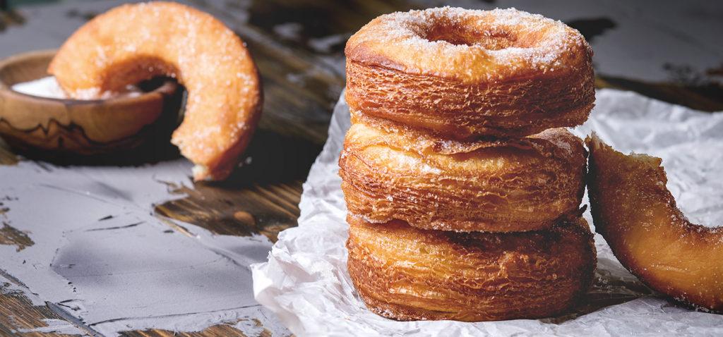 nouveaux-desserts-hybrides-americains-gourmandises-patisseries-cronut.