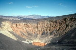 weekend-death-valley-californie-nevada-parc-national-usa-ubehebe-crater