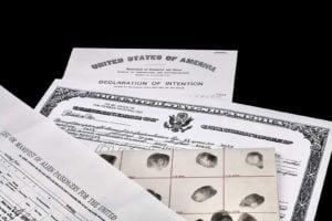 devenir-citoyen-americain-immigration-naturalisation-carte-verte-naturalization-paper