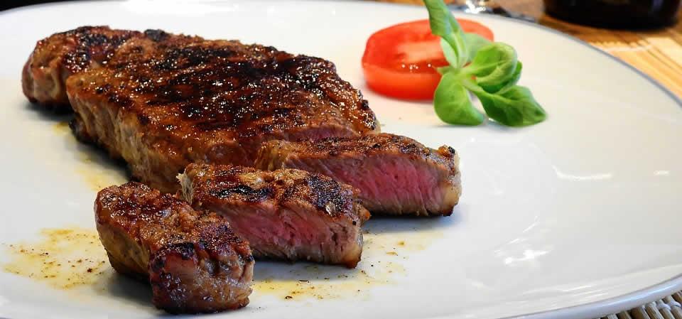 specialites-culinaires-naissance-restaurants-bars-new-york-delmonico-steak