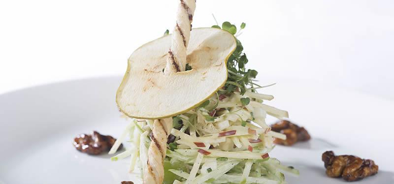 specialites-culinaires-naissance-restaurants-bars-new-york-waldorf-salad