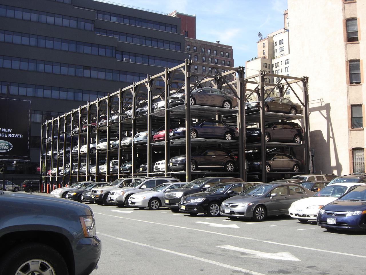 parking-garage-place-voiture-payante-gratuite-manhattan-nyc