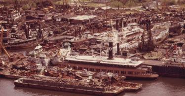 staten-island-graveyard-cimetiere-bateau-rossville-une